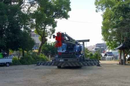 ラフタークレーン 伐採 25トン
