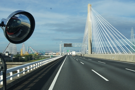 三重県 伐採作業 橋を渡ればお隣です